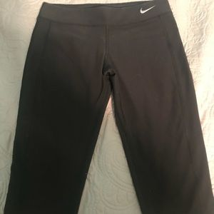 Girl's Nike Dri-fit knee length leggings